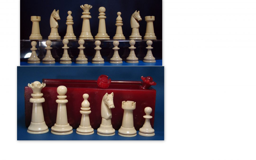 Galaith early plastic chess set 1930's