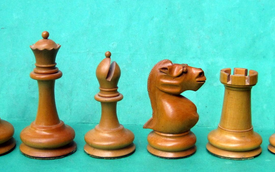 English Staunton chess set with 'gorilla' knights