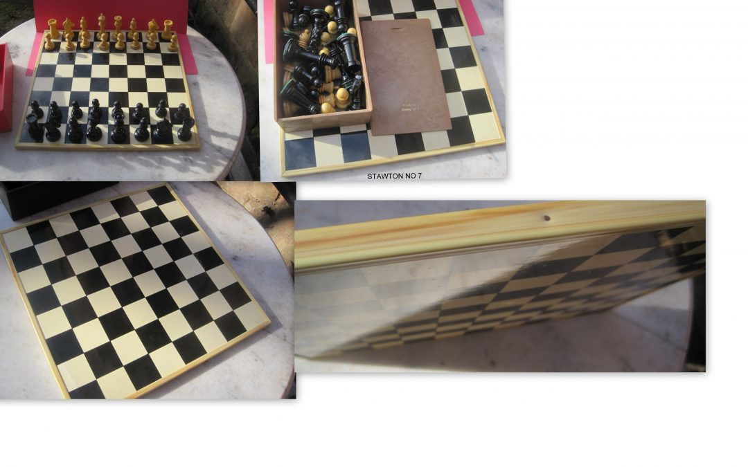 Spanish plastic chess set and inlaid chessboard