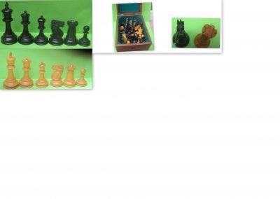 Late 19th century boxwood/ebony Staunton chess set